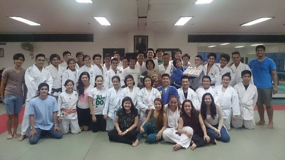 DLSU Judokas with Coach Annie