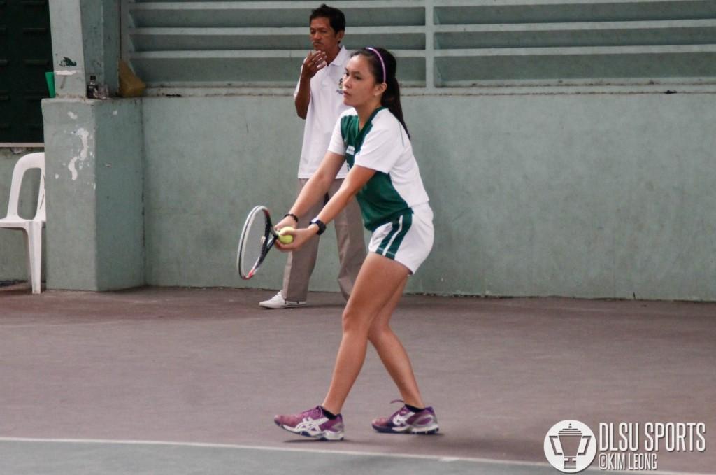 DLSU Lady Tennister